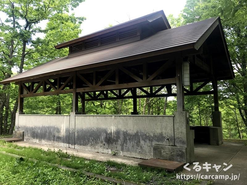 恐羅漢エコロジーキャンプ場炊事場