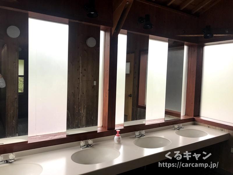 らかん高原オートキャンプ場トイレ