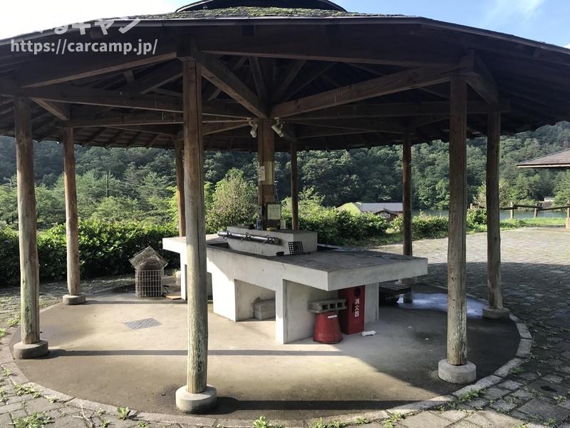 香六ダム公園キャンプ場 炊事場