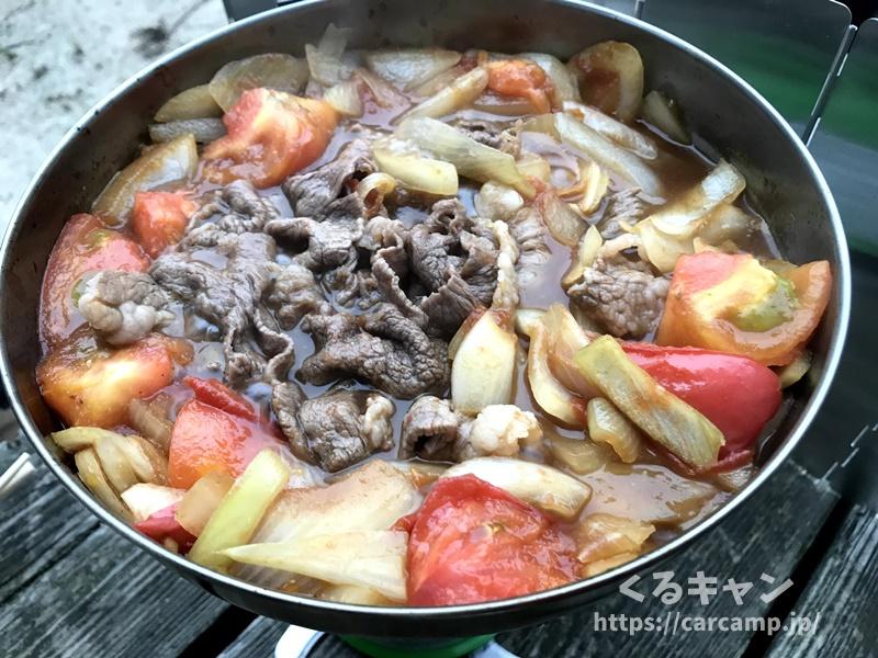 キャンプ飯 トマトすき焼き