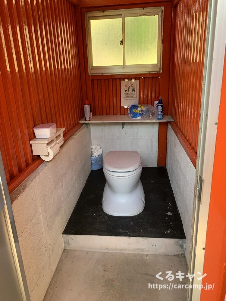 右平花園の里キャンプ場トイレ